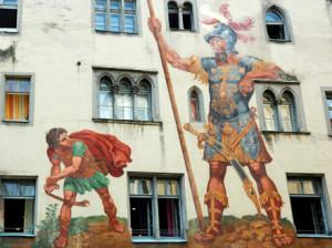 Davide affronta Golia in un affresco dipinto sulla la Baumburgerturm, casa-torre di Ratisbona