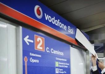 """La fermata """"Puerta del Sol"""" della metro di Madrid passa a chiamarsi """"Vodafone Sol"""" (fonte immagine: http://goo.gl/lKcRrJ)"""