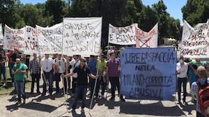 Manifestazione anti Uber